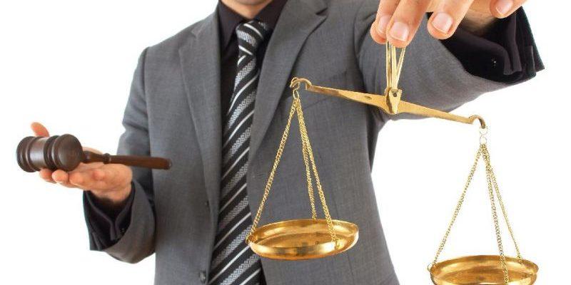 статусы про юристов