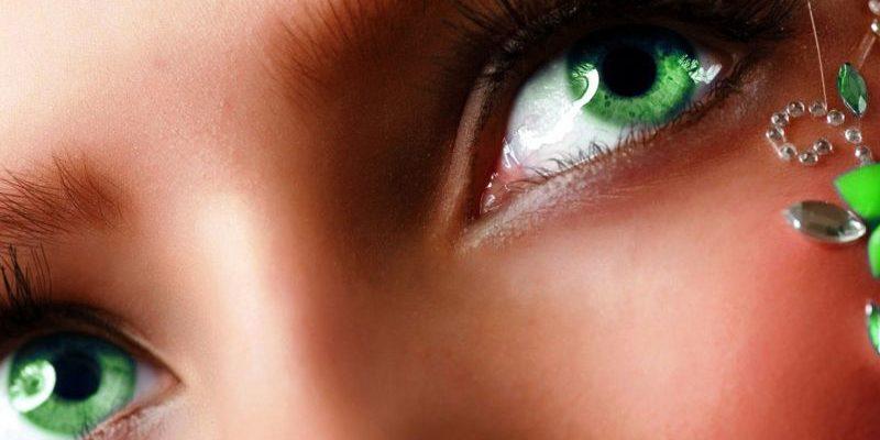 статусы про зеленые глаза